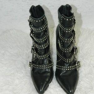 Steve Madden Comet Black Leather Buckle Size 8.5